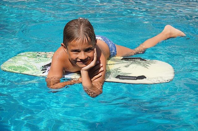 Pohoda v bazénu.jpg