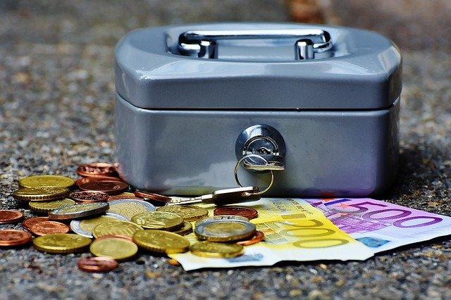 Pokladnička a eura